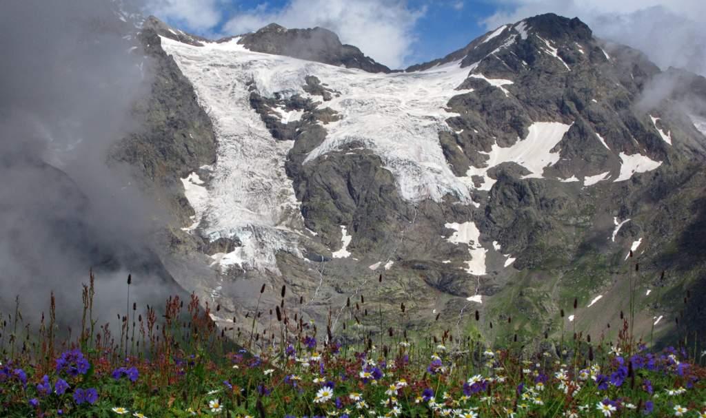 Рача в Грузии горы