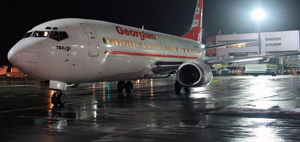 Самолет компании airzena
