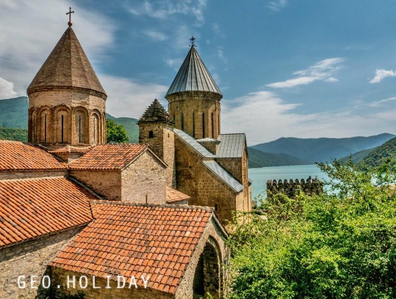 достопримечательность Грузии - Крепость Ананури
