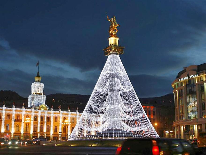 достопримечательность Грузии - Площадь Свободы