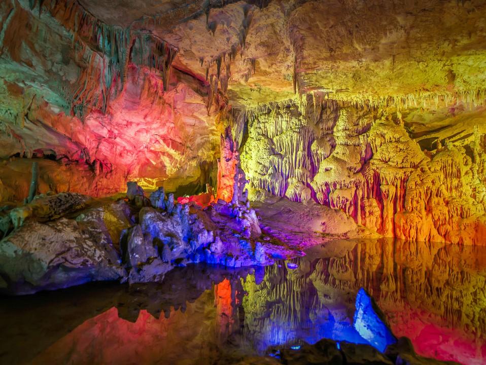 достопримечательность Грузии - Пещера Прометея