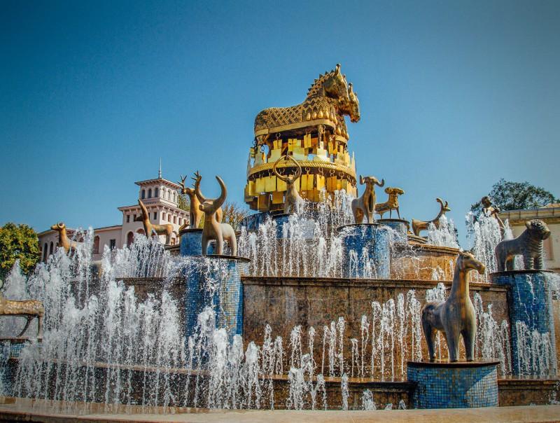 достопримечательность Грузии - Колхидский фонтан в Кутаиси