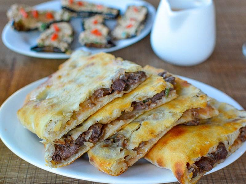 Грузинская кухня, блюдо - Кубдари