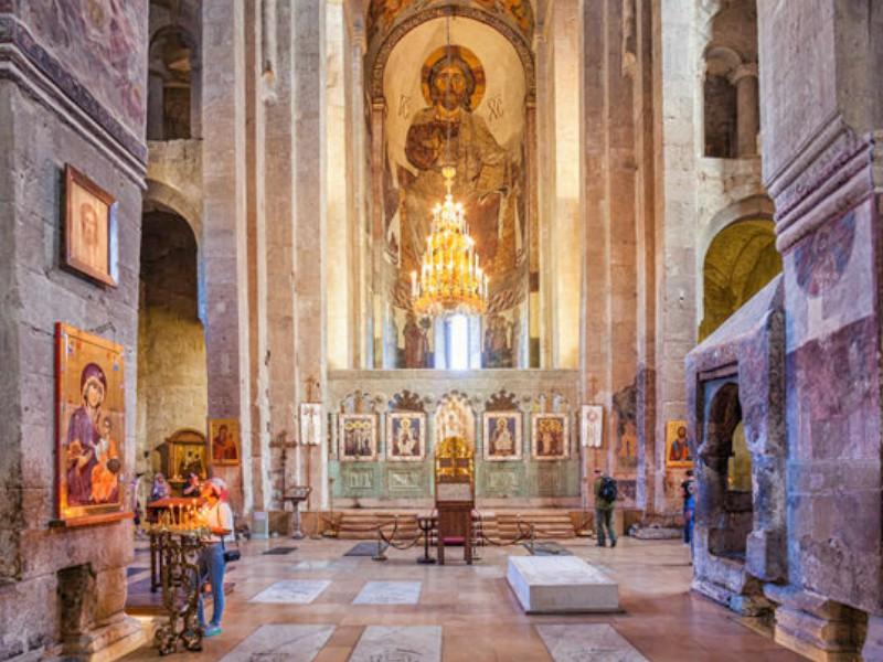 Храм Свети - Сховели внутри