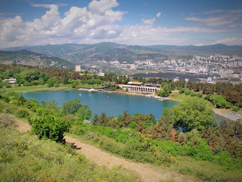 Тбилиси, озеро черепашка