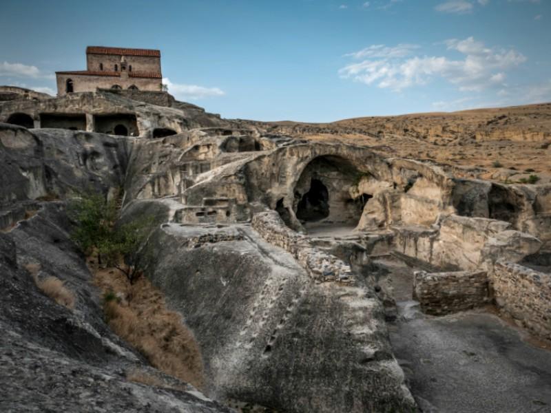 Тур в пещерный грузинский город - Уплисцихе, вид на пещеры
